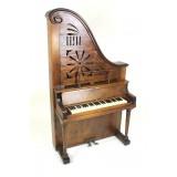 Dolcette (Giraffe Piano, 19th Century)