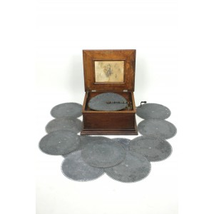 "Regina 15.5"" Disc Music Box"